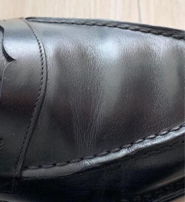 革靴の甲の皺の伸び