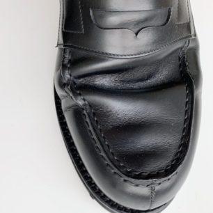 踏み込んだ時の革靴の履き皺