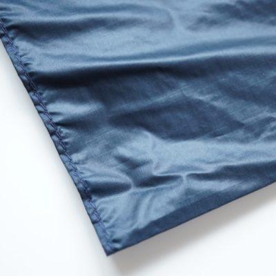 ブルーブラックカラーの折り畳み傘