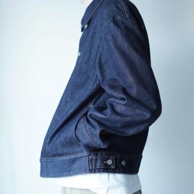 柔らかいデニムジャケット