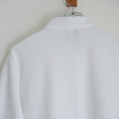 ATONのポロシャツのバックシーム