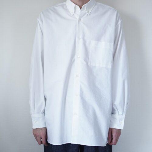 コンフォートフィットシャツの着画