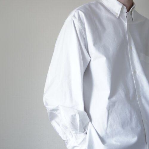 MARKAWAREのシャツは一癖あり